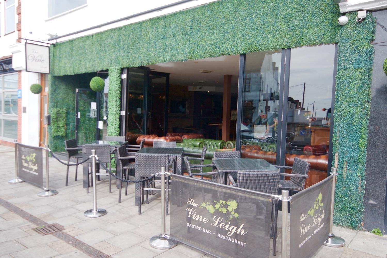 gastro bar / restaurant essex - the vine leigh